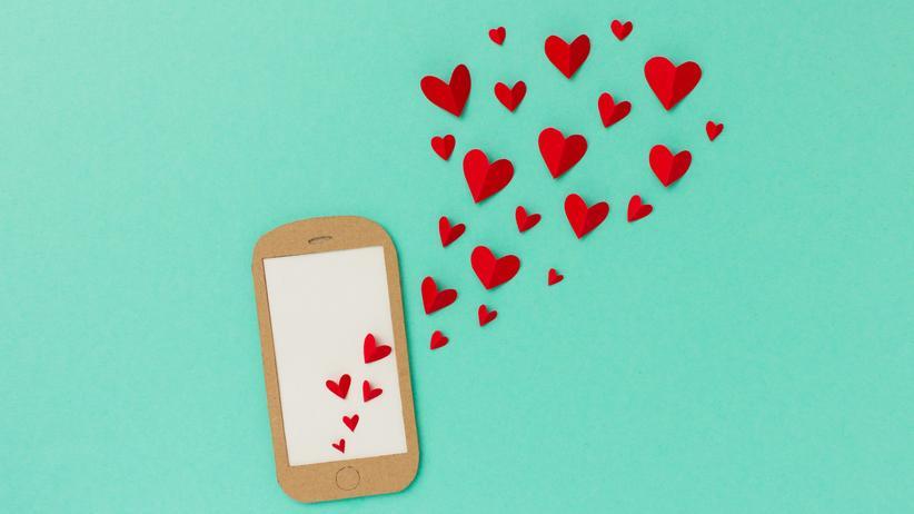 """Amours Solitaires"": Sich Liebe entgegentippen"