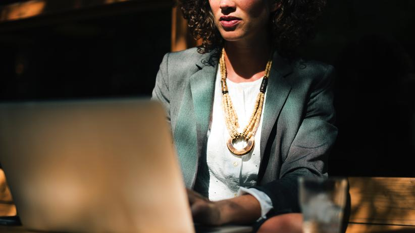 Diskriminierung junger Frauen gehört noch immer zum Berufsalltag.