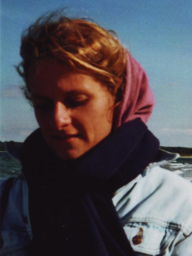 """Jule Hoffmann, geboren 1988 in Lübeck, arbeitet als freie Redakteurin und Autorin für Deutschlandfunk Kultur. Sie ist Gastautorin bei """"10 nach 8""""."""