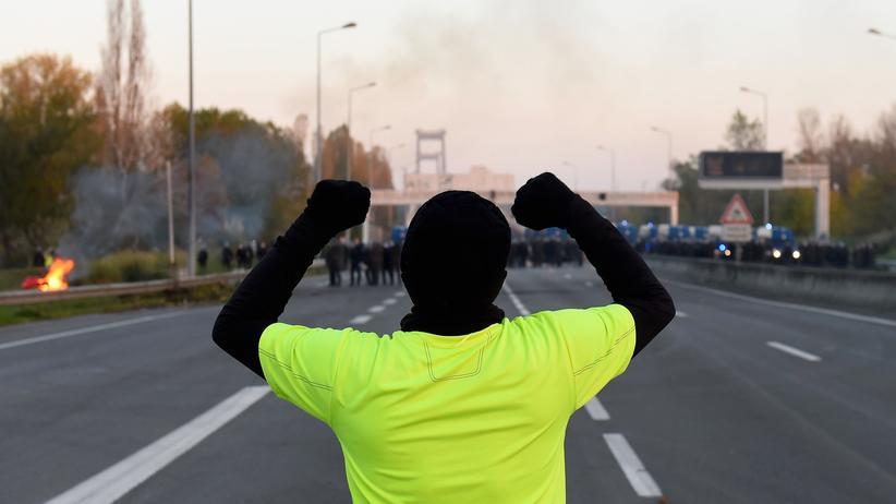 Gelbwesten-Proteste: Ein Demonstrant der Gelbwesten in Bordeaux