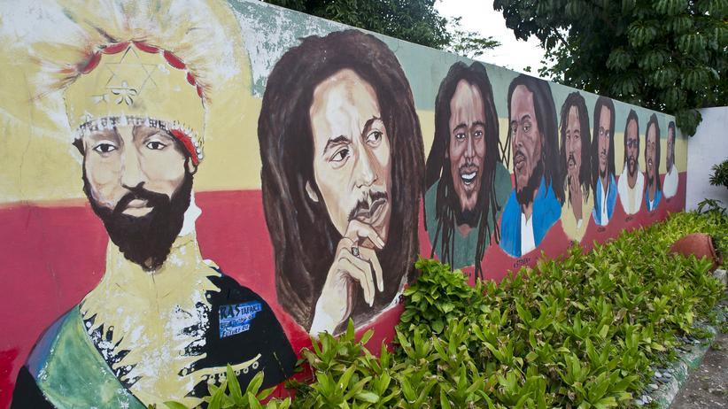 Unesco: Ein Gemälde zeigt Bob Marley und seine sieben Söhne in Kingston, Jamaika.