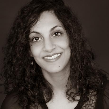 Seema Basil spent her childhood and youth in Kenya. She studied medicine in Dundee, Scotland, and worked as a UK doctor for several years before relocating to Australia with her partner, where she is now an Outback Senior Medical Officer at an Aboriginal medical facility. After endometriosis treatment, she has had a daughter and twin sons using artificial insemination.