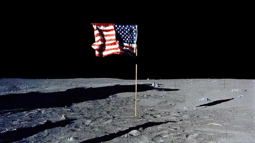 Donald Trump: Der Präsident befiehlt: Frau im Mond
