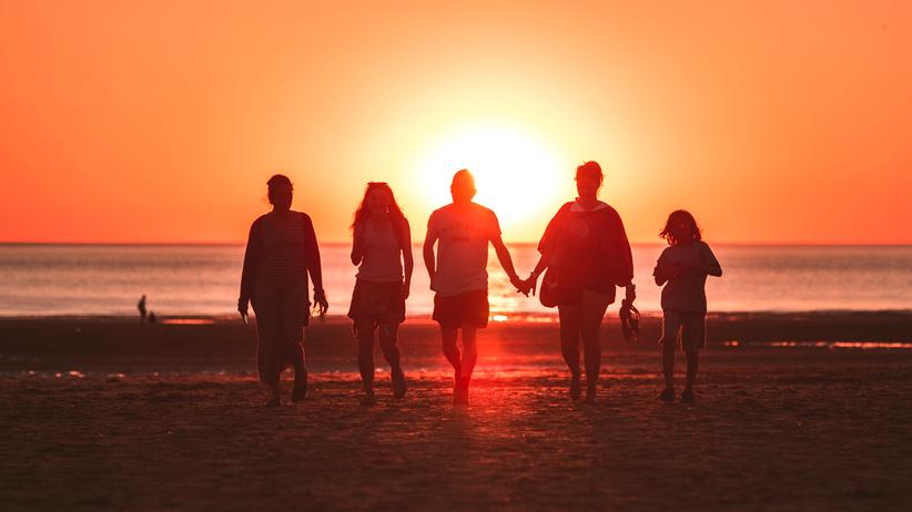 Kinderfrage: Familie muss nicht biologisch sein. Je früher man sich eine soziale Gemeinschaft sucht, desto besser.
