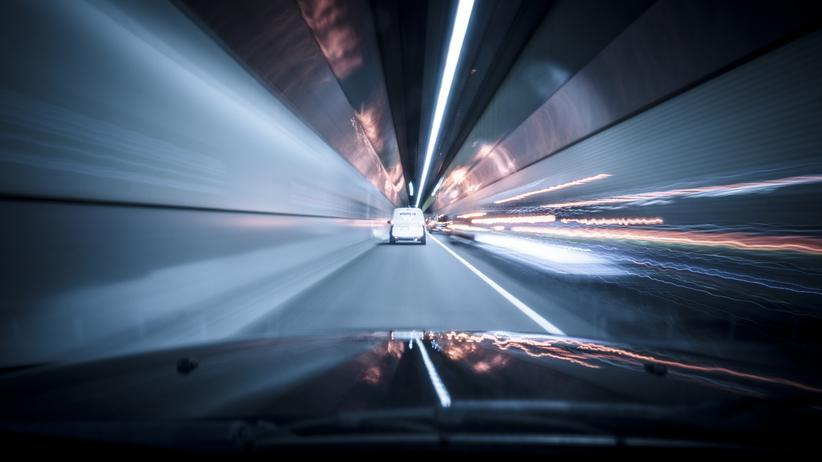 Deutsche Autofahrer: Die deutsche Fahrerperspektive: Was immer ihm unterwegs begegnet, das nimmt er als potenzielles Hindernis wahr.