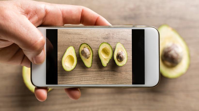 Instagram: Die hohe Zahl von Avocado-Hashtags auf Instagram kommt offenkundig vor allem deshalb zustande, weil das Fruchtfleisch der Avocado so irre fotogen ist.