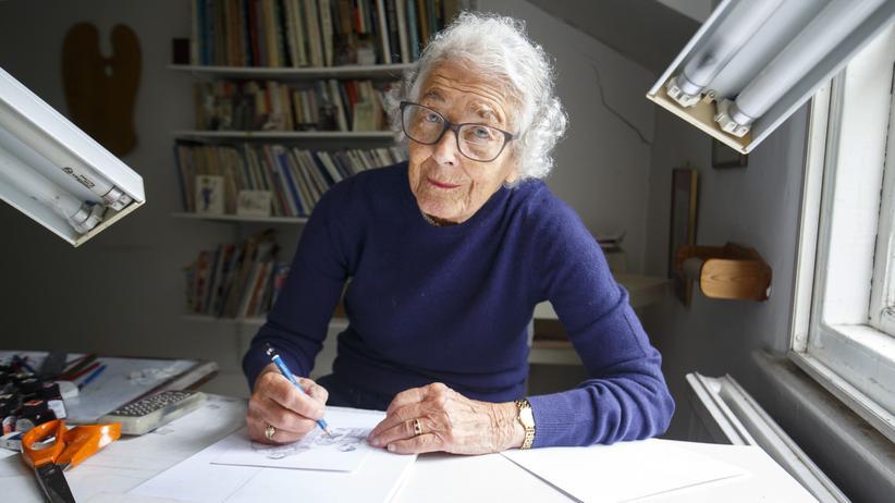 Schriftstellerin: Die Schriftstellerin Judith Kerr in ihrem Arbeitszimmer in London (2018)