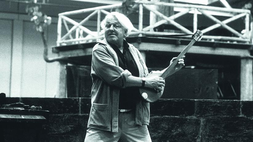"""Bayreuther Festspiele: Wolfgang Wagner 1981 während der Proben zu """"Die Meistersinger von Nürnberg"""""""