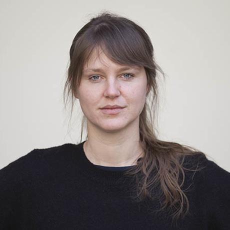 """Ballett: Theresa Luise Gindlstrasser, geboren 1989, arbeitet als freie Kulturjournalistin und Autorin in Wien. Sie ist Gastautorin von """"10 nach 8""""."""