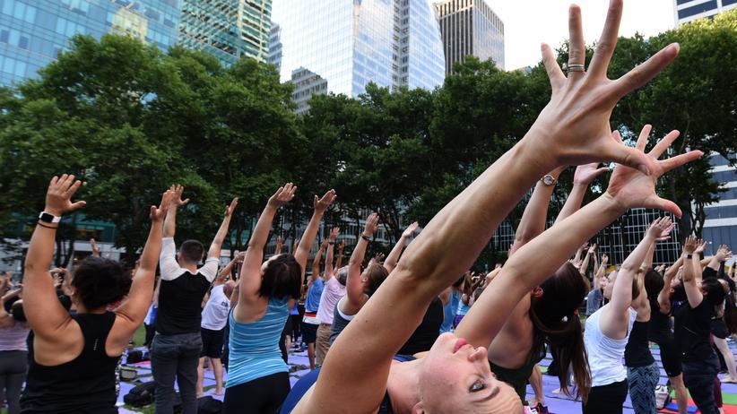Yoga: Outdoor-Yoga im Bryant Park in New York