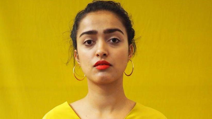 """Diskriminierung: Arpana Aischa Berndt hat Kreatives Schreiben und Kulturjournalismus in Hildesheim studiert. In ihrer politischen Arbeit beschäftigt sie sich mit Rassismuskritik und der Bildung von Allianzen. Sie schreibt Prosa, Essays und auf Instagram (@a_aischa). Sie ist Gastautorin von """"10 nach 8""""."""