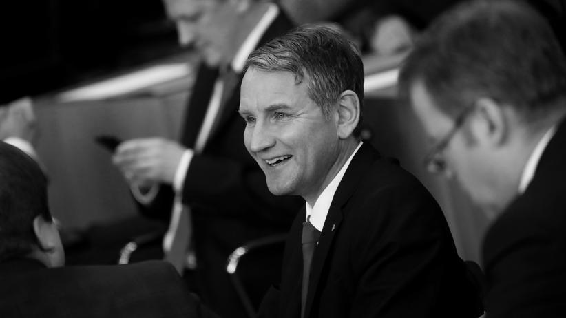 Ministerpräsidentenwahl in Thüringen: Björn Höcke im Plenarsaal des thüringischen Landtages, am Tag der Wahl des FDP-Politikers Thomas Kemmerich zum Ministerpräsidenten