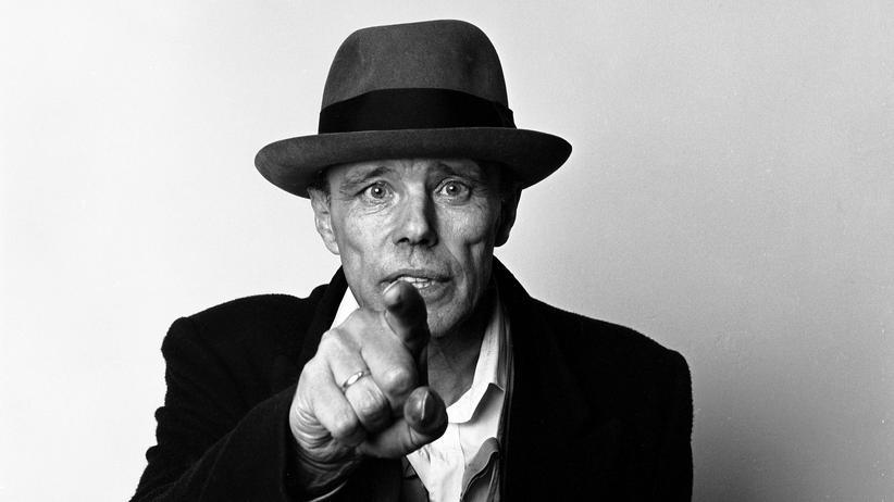 Kunstpodcast: War Joseph Beuys ein Scharlatan?