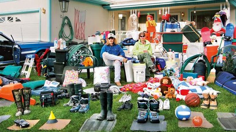 """Umweltdoku """"Plastic Planet"""": Plastik, wohin man schaut – auch bei dieser amerikanischen Familie, die ihren Plastikhaushalt zeigt"""