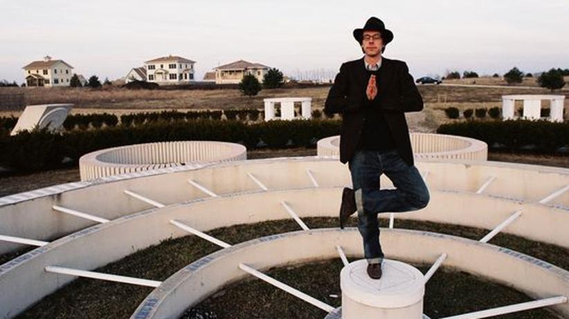 """Film """"David wants to fly"""": Der Regisseur David Sieveking versucht sich in einer Lynch-Pose"""