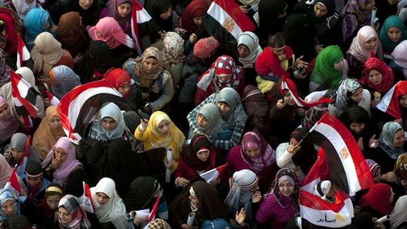 Arabischer Umbruch: Demonstranten auf dem Tahir-Platz in Kairo, Februar 2011