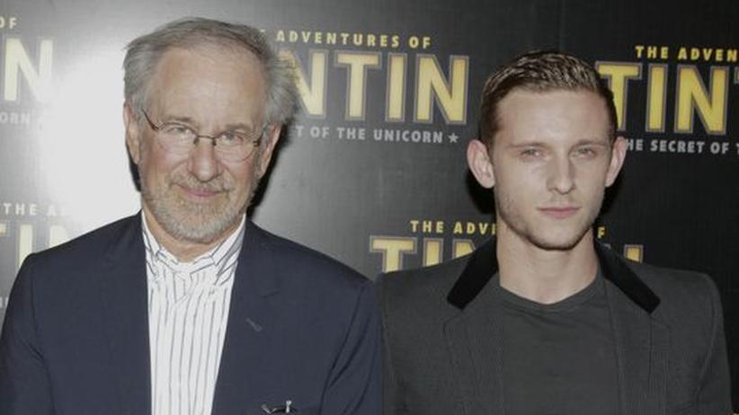 """Steven Spielberg: Steven Spielberg neben seinem Hauptdarsteller Jamie Bell, der die Rolle des Tim in """"Die Abenteuer von Tim und Struppi"""" spielt"""
