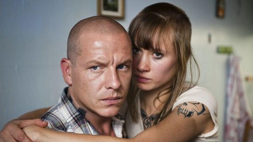 Sandro (Gerdy Zint) und Marisa (Alina Levshin) sind ein Paar.