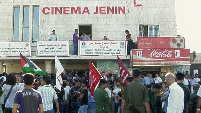 Eröffnungsfeier im Cinema Jenin im August 2010