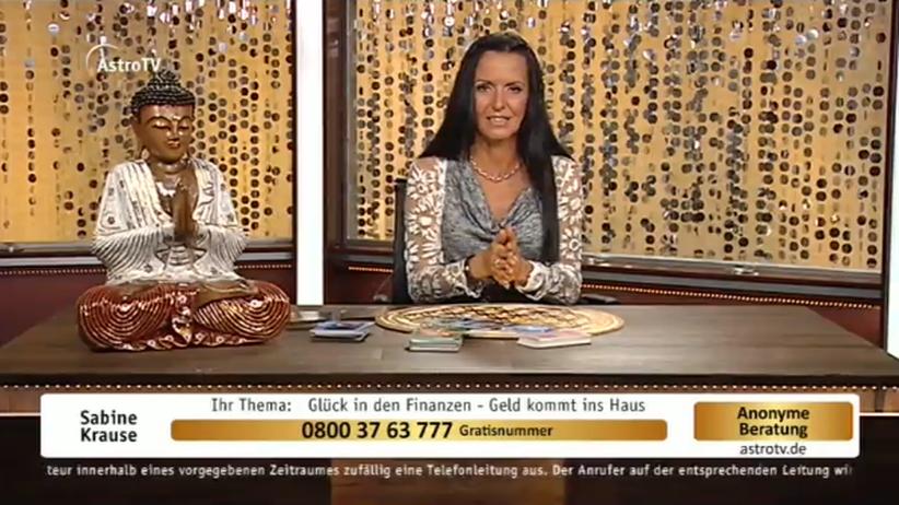 Astro-TV: Gesellschaft, Astro-TV, Betrug, Moderator, Sender