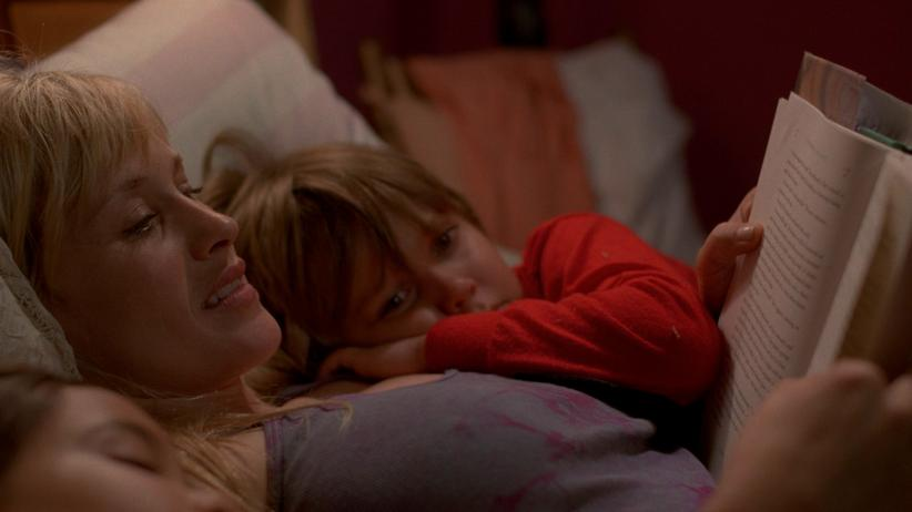 """Boyhood"": Patricia Arquette mit Lorelei Linklater (li.) und Ellar Coltrane (re.) in Richard Linklaters Langzeit-Schauspieler-Beobachtung ""Boyhood"""