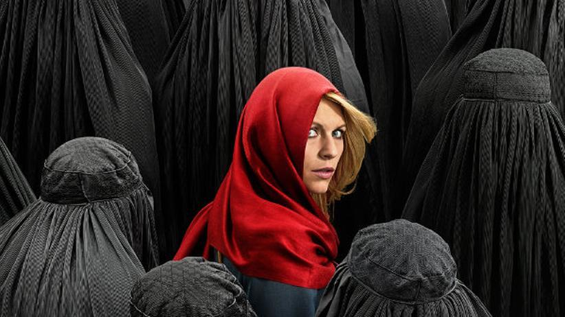 """TV-Serien: """"You are a traitor and I am the fucking CIA"""": Carrie Mathison, Protagonistin von """"Homeland"""", wurde ab 2011 zu einer für die Zehnerjahre typischen Serienheldin. Frauenfiguren standen nun öfter im Mittelpunkt – mussten aber fast immer versehrt sein auf irgendeine Art."""