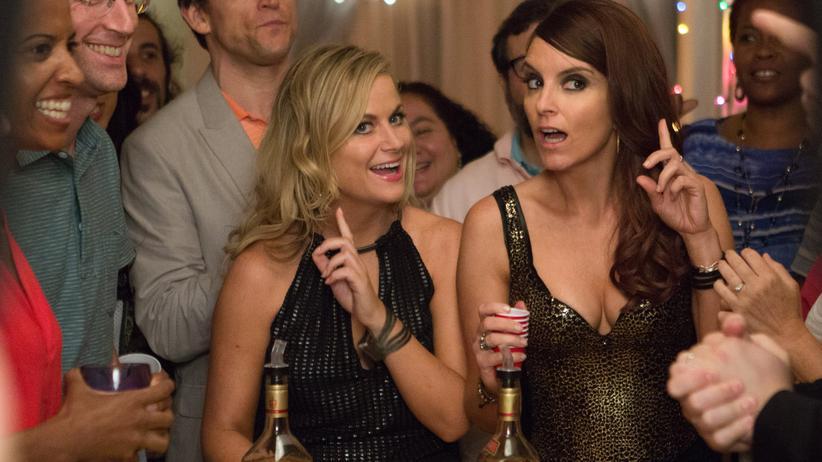 """""""Sisters"""": Amy Poehler (links) und Tina Fey als die titelgebenden Schwestern Maura und Kate"""