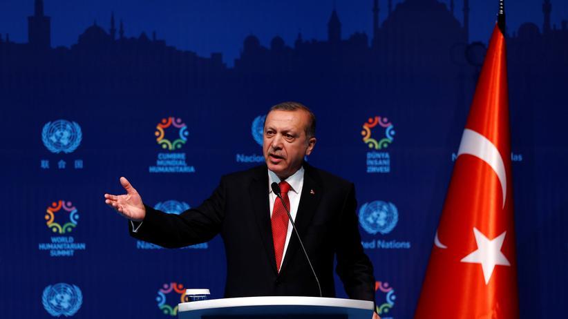 Böhmermann-Affäre: Der türkische Staatspräsident Erdoğan hat Klage gegen Satiriker Jan Böhmermann eingereicht. (Archivbild)