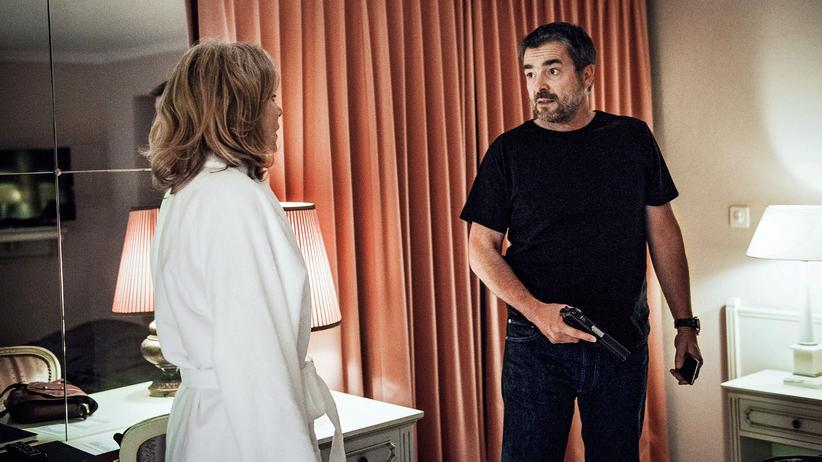 """""""Tatort"""" Luzern: Fenster zum Mord: Kommissar Reto Flückiger (Stefan Gubser) mit seiner Affäre (Brigitte Beyeler) im Hotelzimmer"""