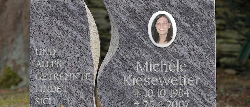 Michèle Kiesewetter wurde 22 Jahre alt. Sie liegt in ihrer Heimat Oberweißbach begraben.