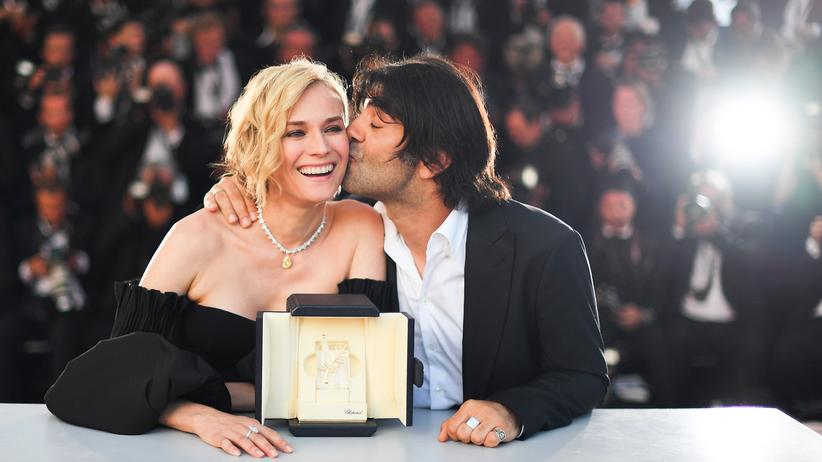 """Filmfestspiele von Cannes: """"Der beste Filmemacher, mit dem ich je gedreht habe"""": Diane Kruger und Fatih Akin nach der Preisverleihung in Cannes."""