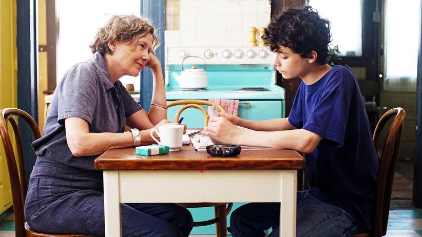 Jahrhundertfrauen: Annette Bening (als Dorothea, links) und Lucas Jade Zumann (als Jamie)