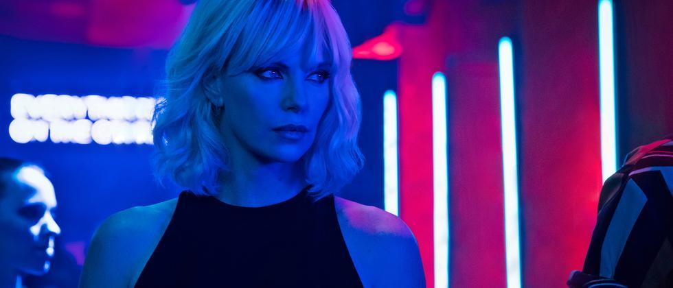 Trinkfeste Agentin: Atomic Blonde (Charlize Theron) in Berlin kurz vor dem Mauerfall.