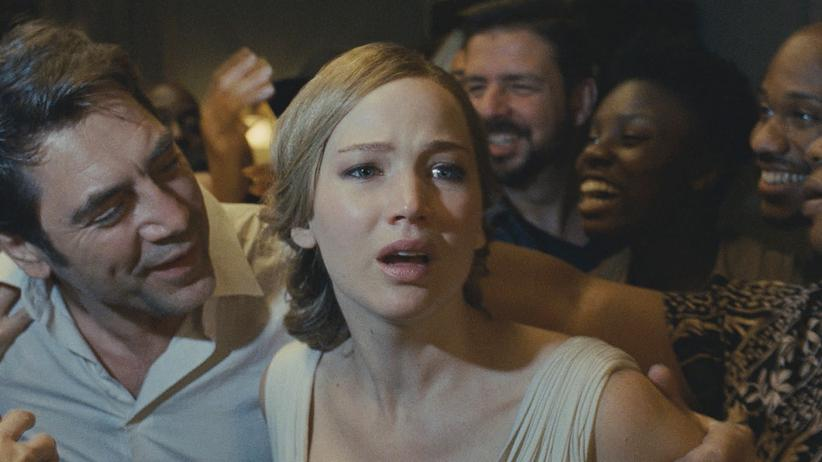 """Mother!"": Javier Bardem als ""Him"" und Jennifer Lawrence als ""Mother"" im gleichnamigen Psycho-Thriller ""Mother!"""