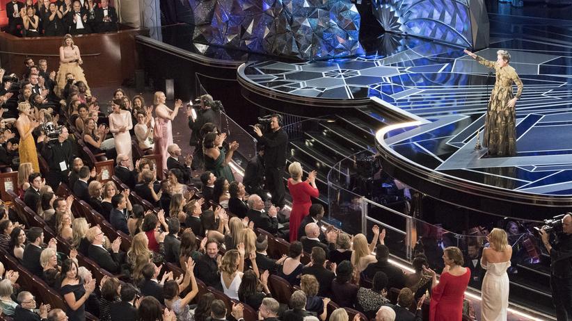 Große Geste: Frances McDormand bittet alle weiblichen Nominierten bei der Oscarverleihung, aufzustehen.