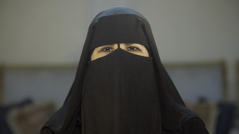 """""""The Poetess"""": """"Eine Revolution in Saudi-Arabien wird von den Frauen ausgehen"""""""