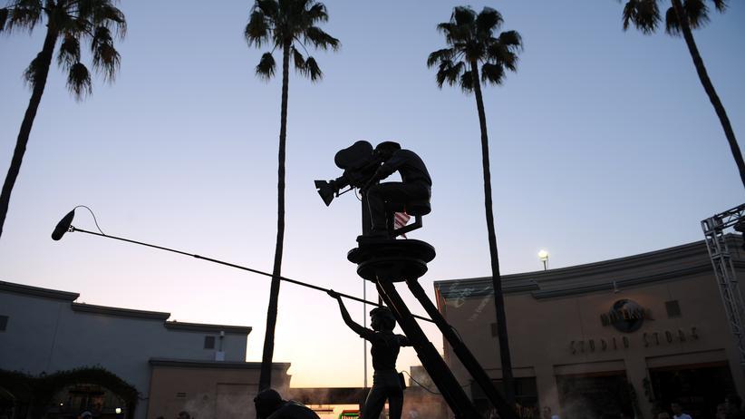 Disney und Fox: Wird es hier heller oder gerade düster? Hollywood und seine Filmstudios befinden sich in einer Phase des Übergangs.