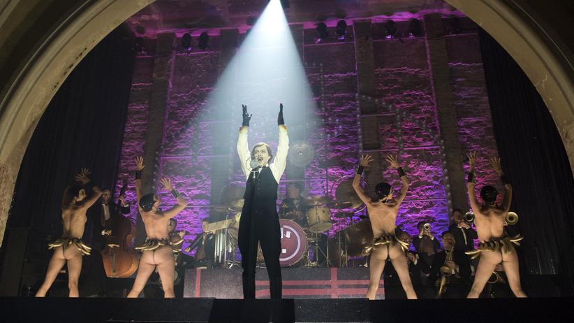 "Genialer Soundtrack: die Sängerin Nikoros (Severija Janušauskaitė) in ""Babylon Berlin"""