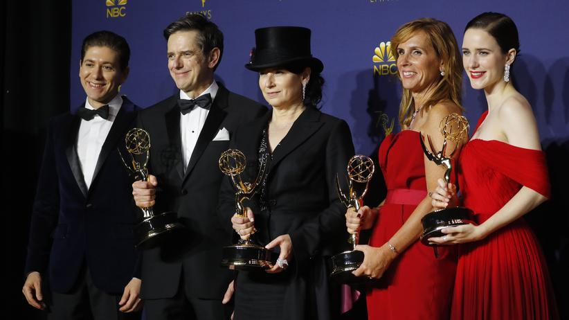"""Emmy-Fernsehpreis: """"The Marvelous Mrs. Maisel"""" gewinnt acht Emmys"""