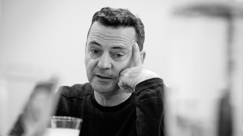 """Christian Petzold: """"Ich wollte von Anfang an eine Etappenliebe erzählen"""": der Regisseur Christian Petzold über seine """"Polizeiruf""""-Filme."""