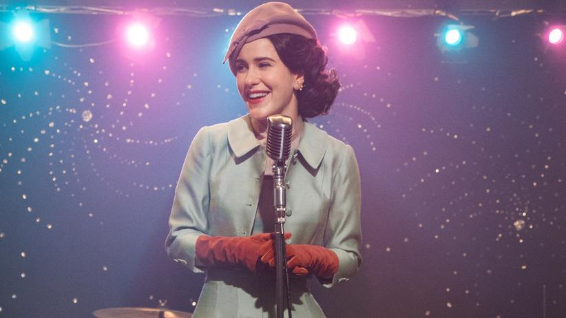 """The Marvelous Mrs. Maisel"": Im Comedy-Himmel: Rachel Brosnahan als Midge in der zweiten Staffel von ""The Marvelous Mrs. Maisel"""