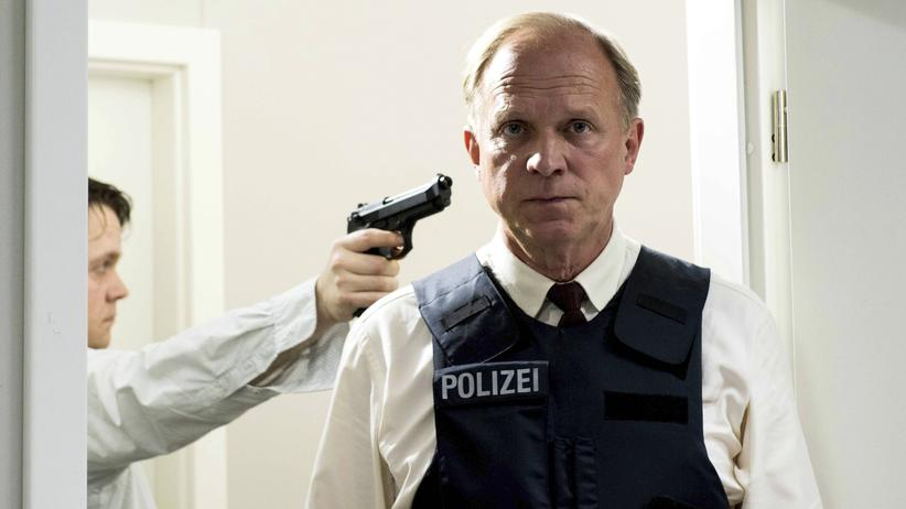 """""""Tatort"""" Wiesbaden: Immer wieder derselbe Wahnsinn: LKA-Ermittler Felix Murot (Ulrich Tukur, r.) und der Bankräuber Stefan Gieseking (Christian Ehrich)"""