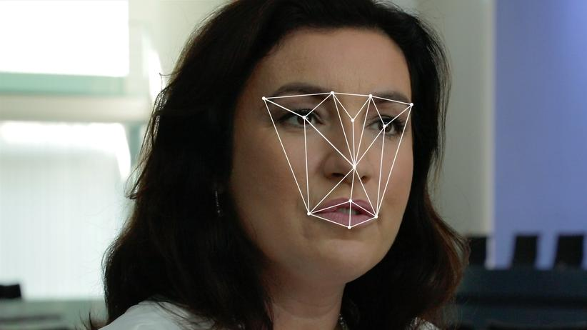 """""""Face_it!"""": Gerastert von der Gesichtserkennung: Dorothee Bär, Staatsministerin für Digitalisierung, ist eine der Befragten in """"Face_it!""""."""