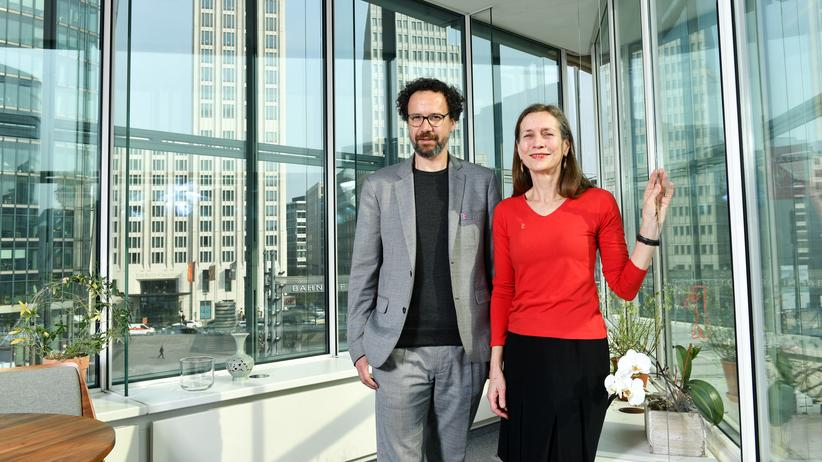 Berlinale: Das neue Leitungsduo der Berlinale: Carlo Chatrian, künstlerischer Direktor, und Mariette Rissenbeek, Geschäftsführerin, in ihrem Büro am Potsdamer Platz