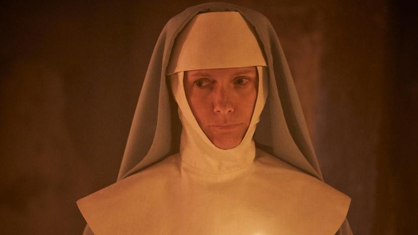"""Dracula"": Draculas kluge, hellsichtige und furchtlose Antagonistin: Schwester Agatha (Dolly Wells)"
