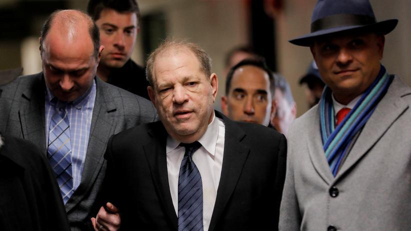 """Auftaktplädoyer: Anklage nennt Weinstein """"Sexualstraftäter und Vergewaltiger"""""""