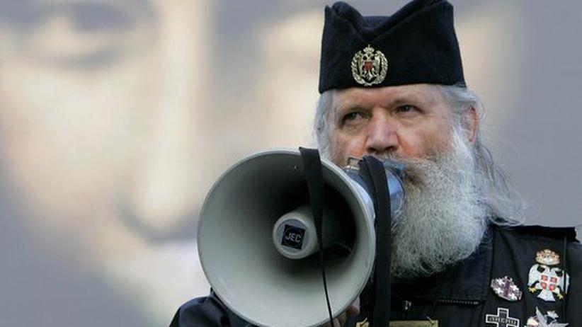 """Moskauer Ausstellung """"Verbotene Kunst"""": Gespanntes Verhältnis zur Kunst. Manche fundamentalistischen russischen Orthodoxen protestieren nicht nur gegen Werke der darstellenden Kunst, sondern auch gegen Hollywood-Blockbuster wie hier im Mai 2006 in Moskau gegen den """"DaVinci Code"""""""
