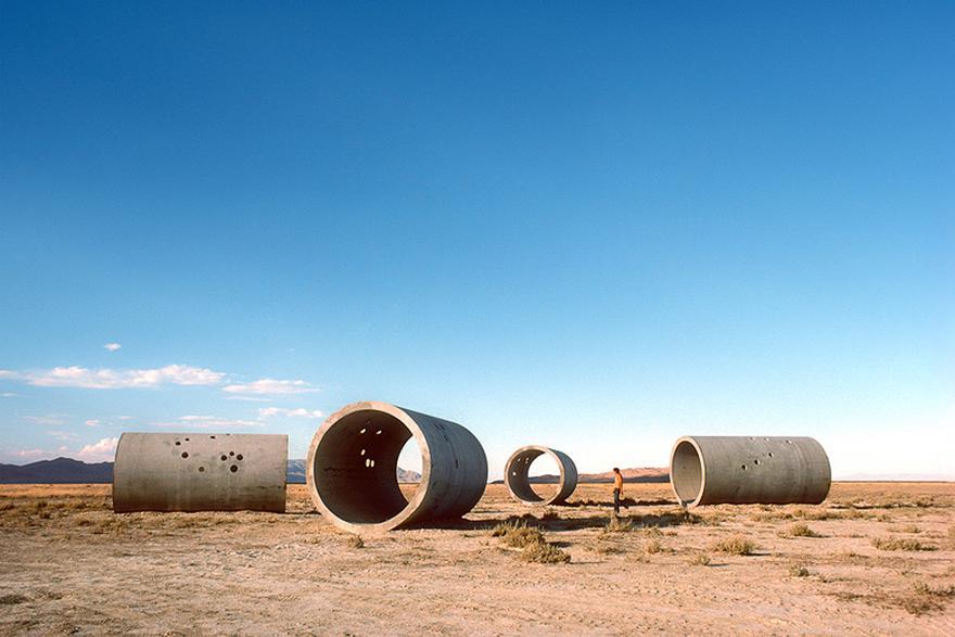 Die Installation Sun Tunnels von Nancy Holt