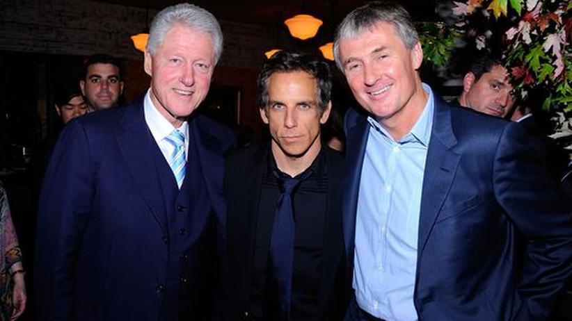"""Benefiz-Auktionen: 13 Millionen Dollar erzielte die Aktion """"Artists for Haiti"""", an der sich Ex-Präsident Bill Clinton, der Schauspieler Ben Stiller und der Galerist David Zwirner in New York beteiligten."""