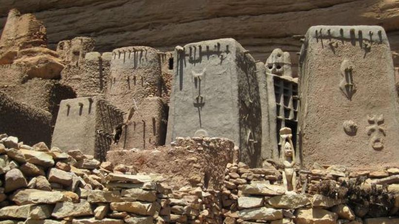 Mali-Ausstellung: Das Dorf Banani-Amou in Mali, dem Land der Dogon.